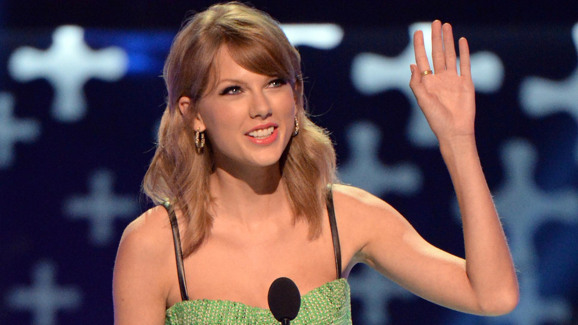 Let's stop putting Taylor Swift's approach to love on a pedestal