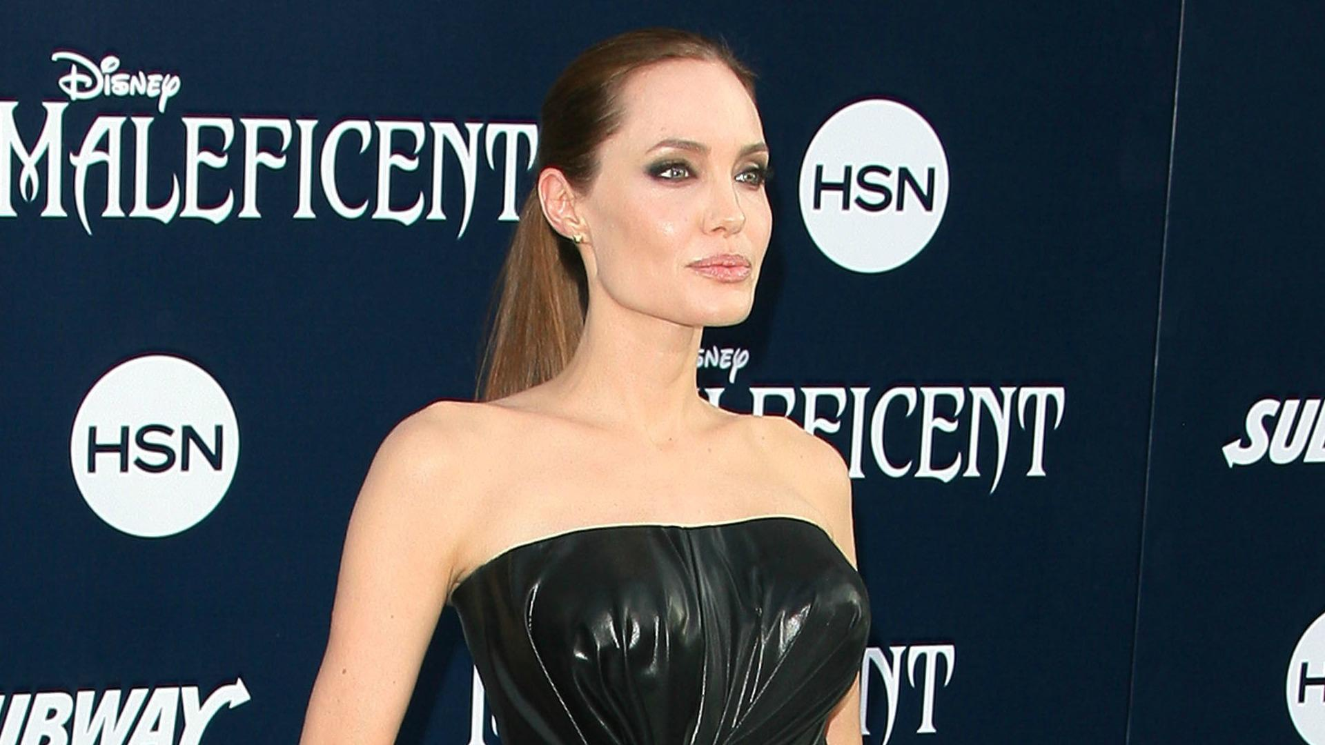 Angelina Jolie made a dame by Queen Elizabeth II