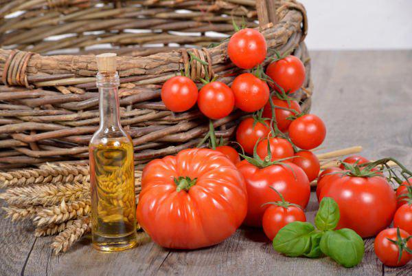 tomatoes with basil oil