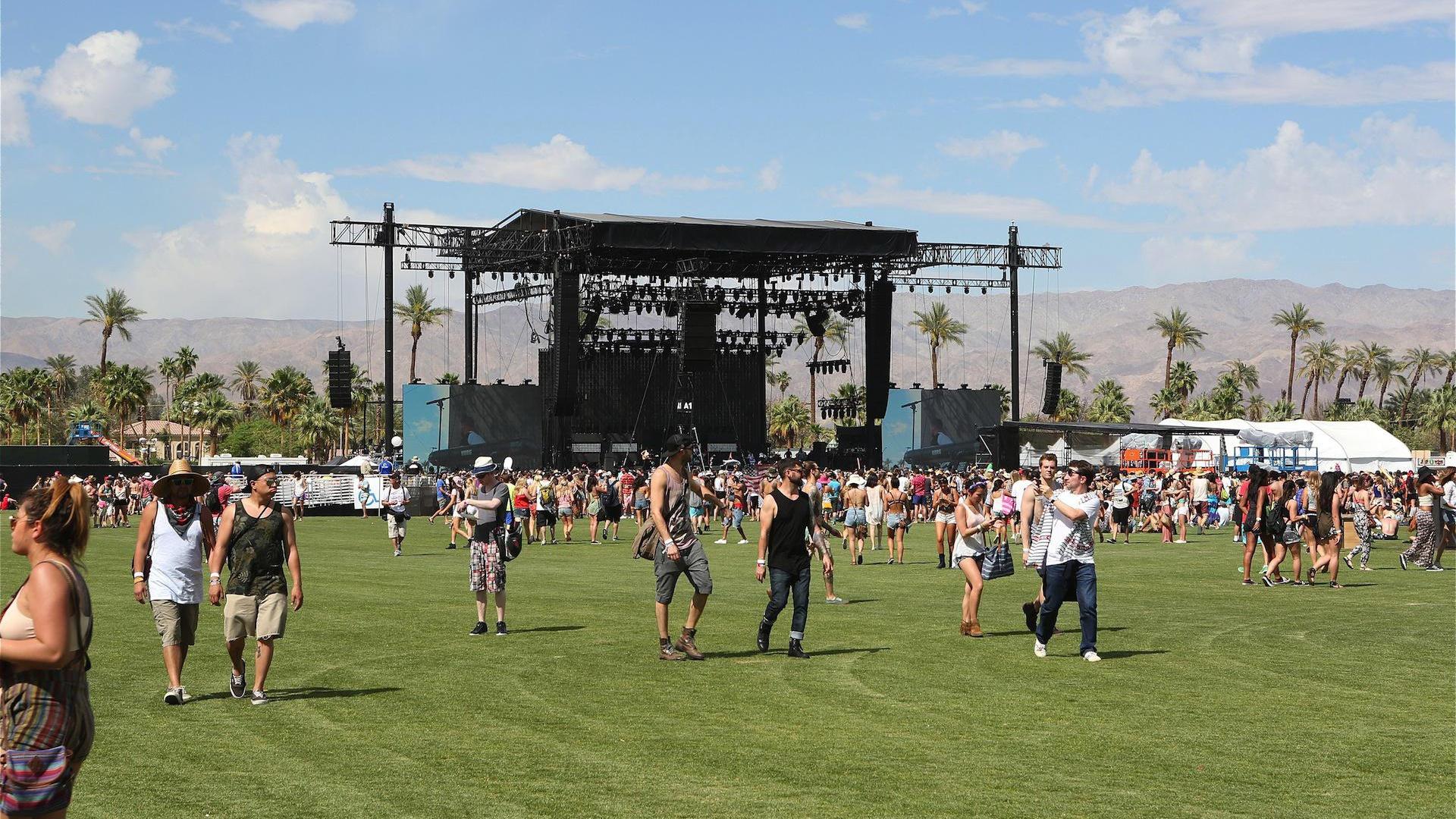 <em>No Cameras Allowed</em>: Watch how one man snuck into many, many music festivals