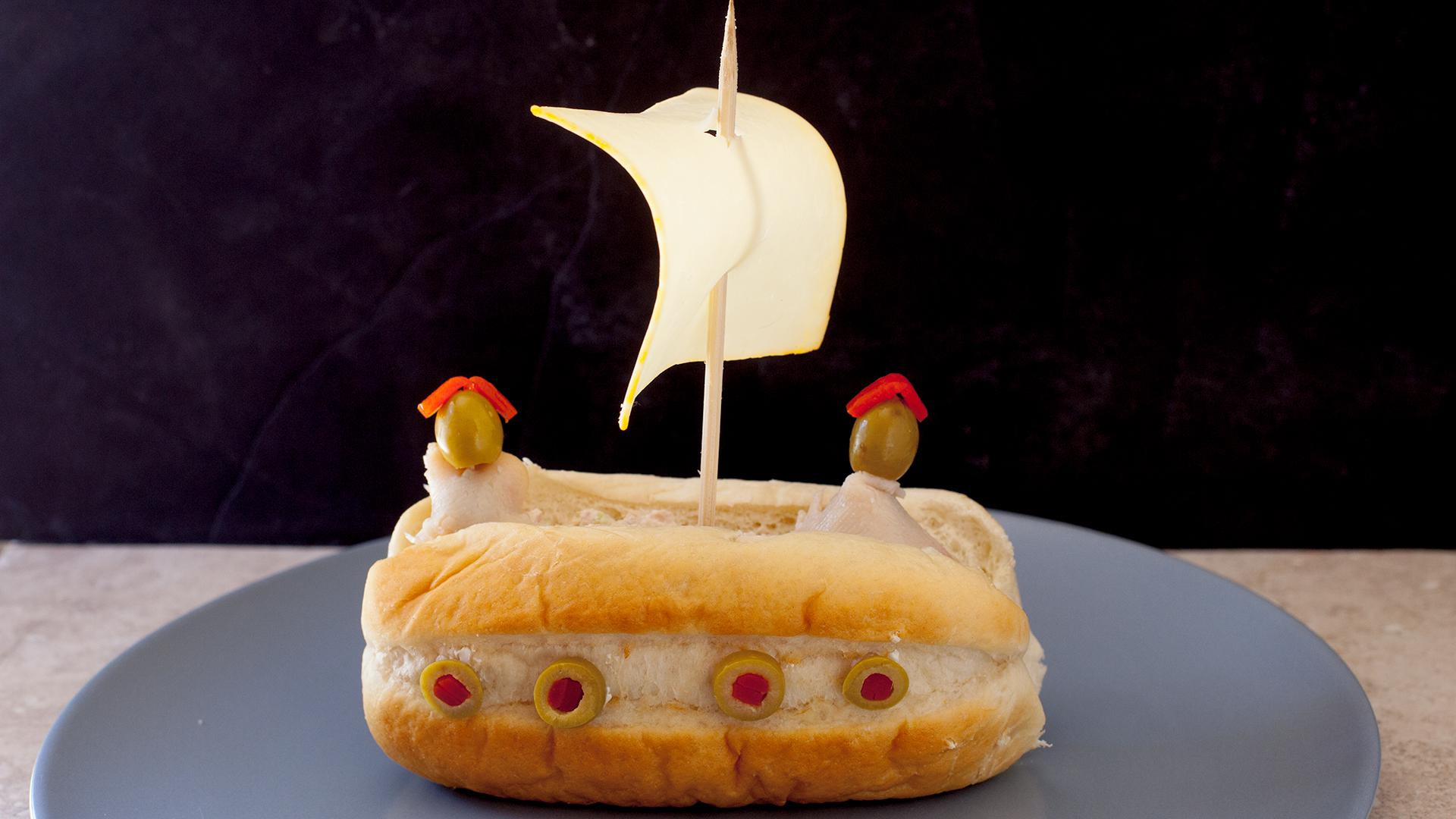 How to turn a tuna sandwich into a pirate ship