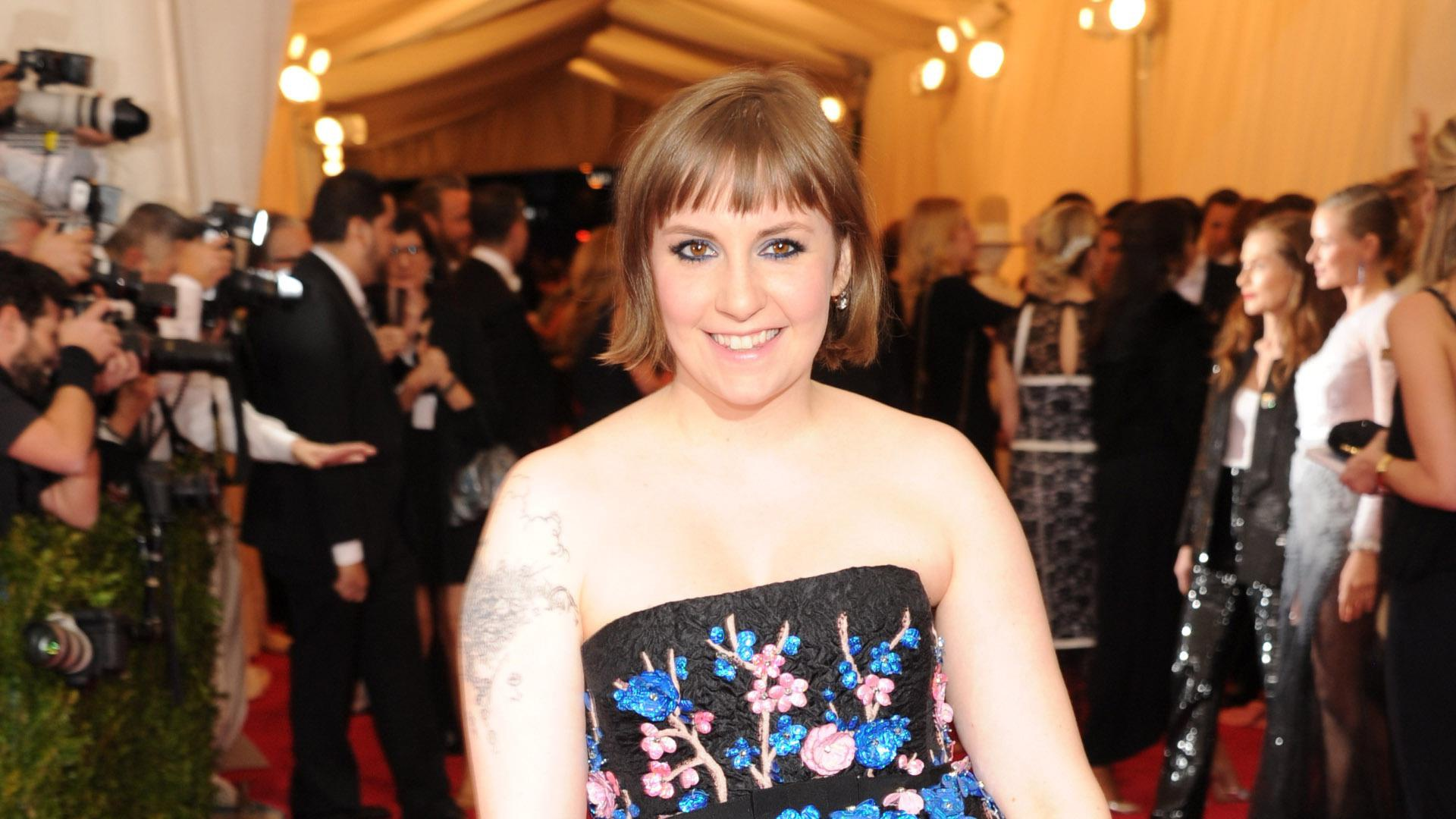 Lena Dunham has a new bowl cut, but there's more