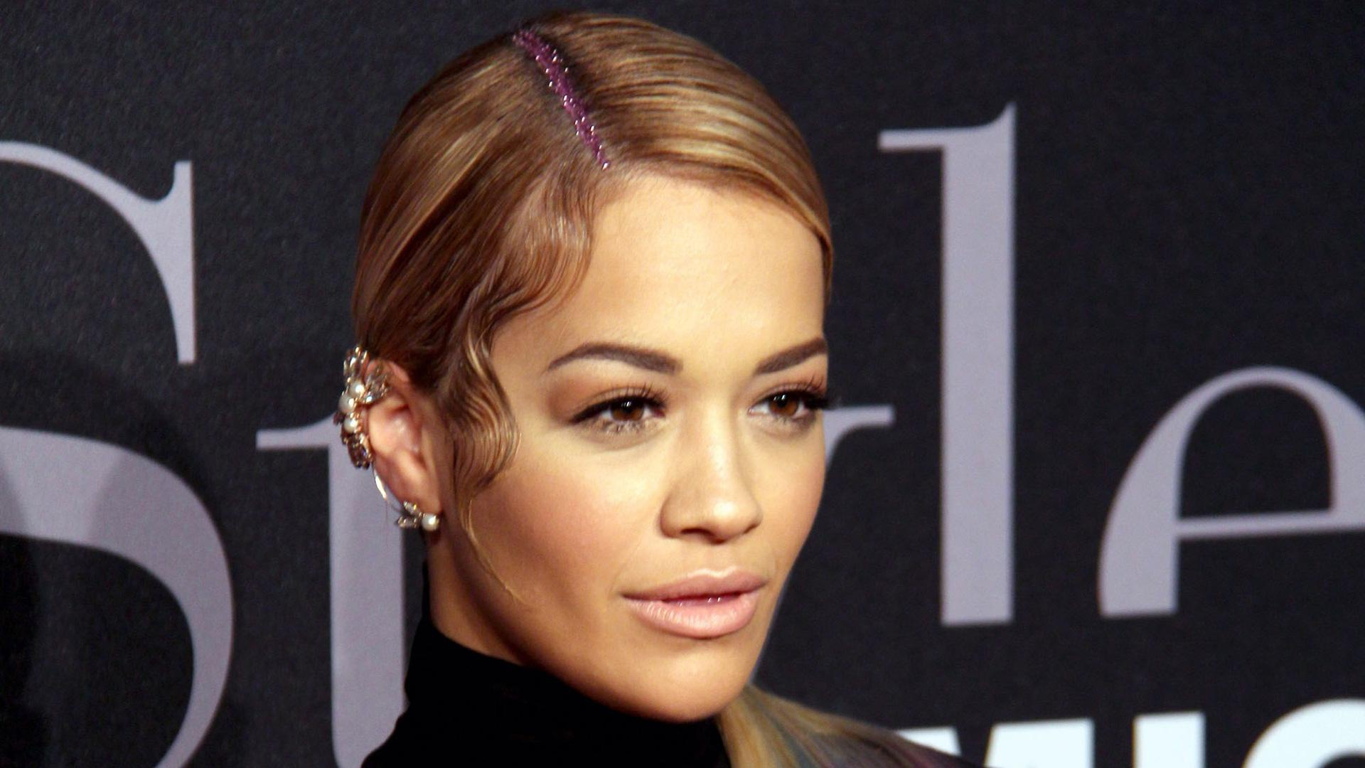 Rita Ora's innovative glitter hairstyle is a nod to the '90s