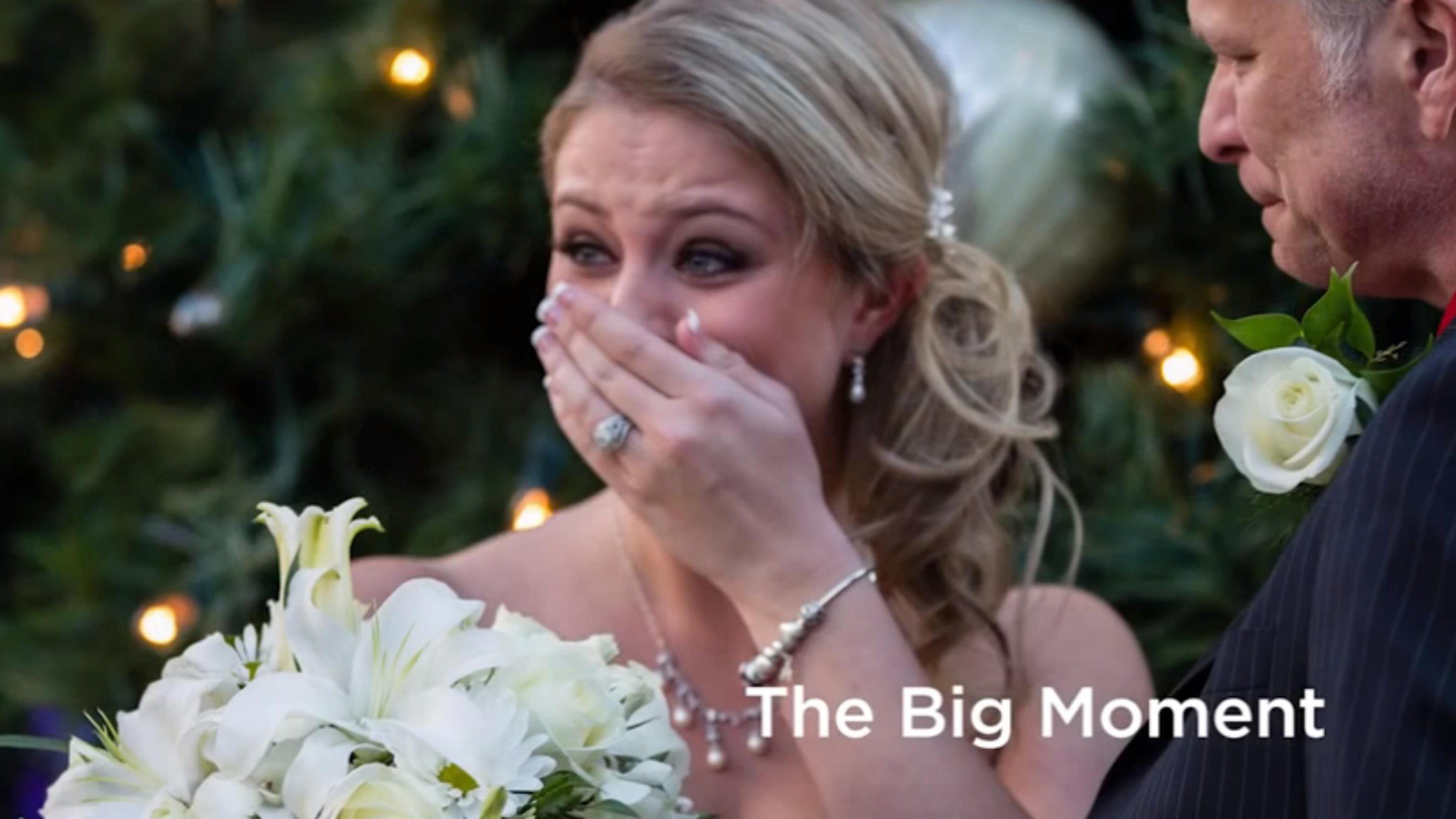 Groom throws surprise flash mob wedding for his bride