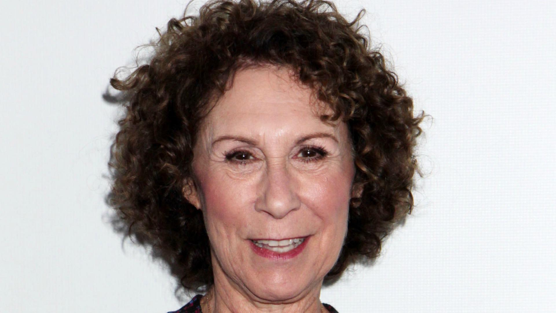 Rhea Perlman brings her trademark sass to <em>The Mindy Project</em>