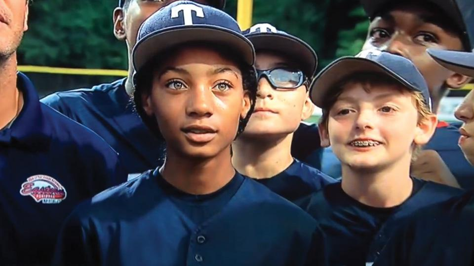 Teen Little League star Mo'Ne Davis hits the cover of <em>Sports Illustrated</em>