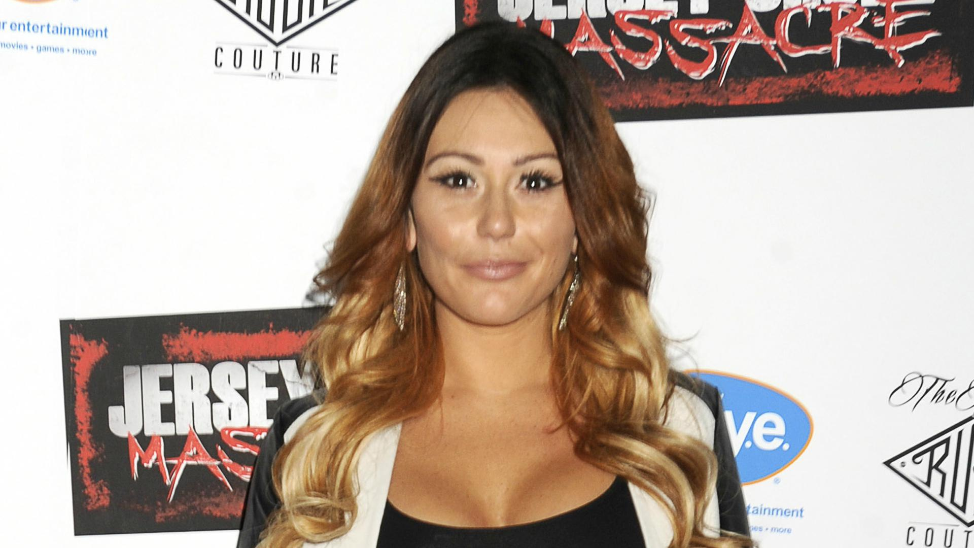 Jwoww says no plastic surgery — above the neck that is