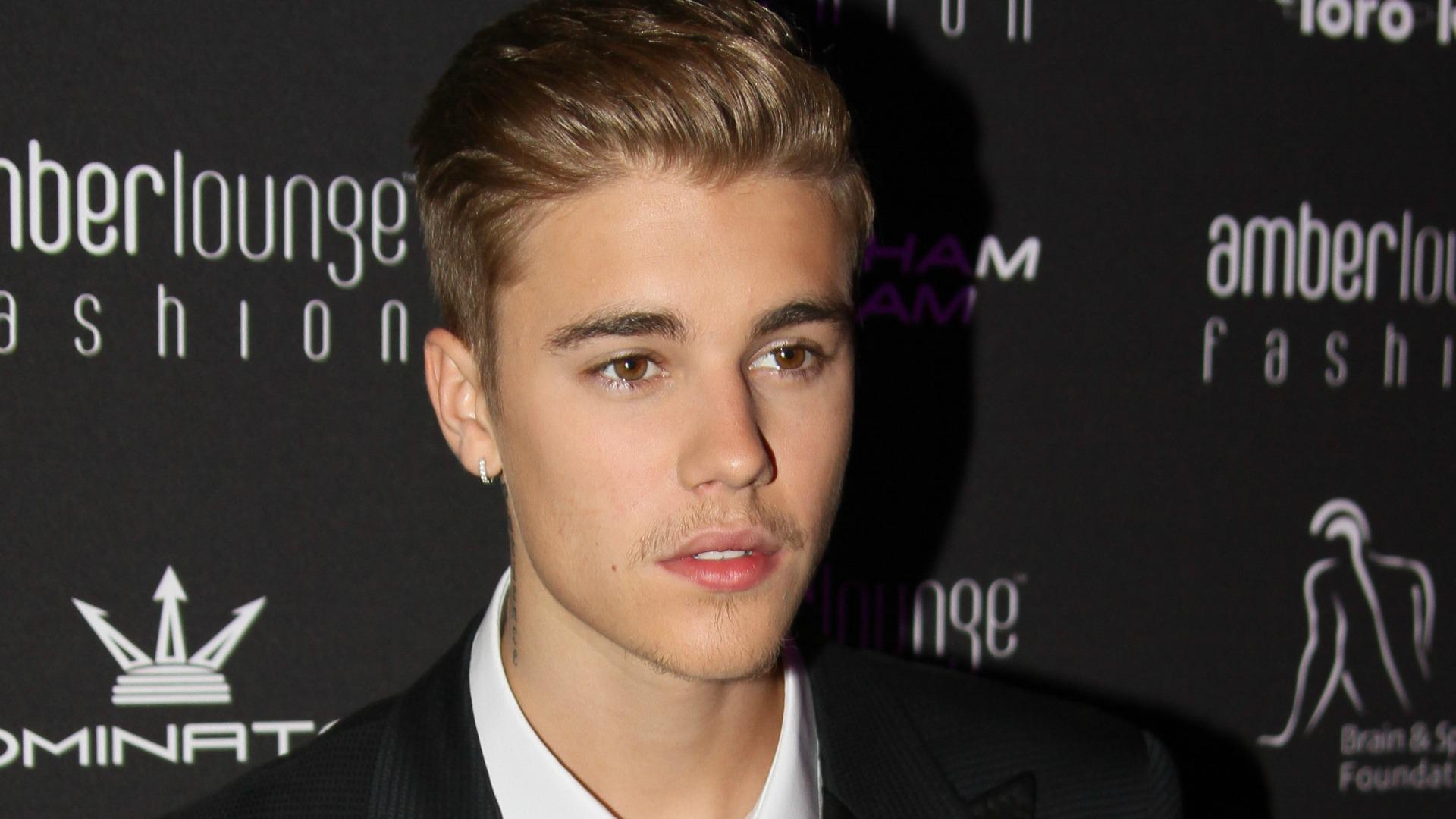 Justin Bieber bolts from car crash in Beverly Hills