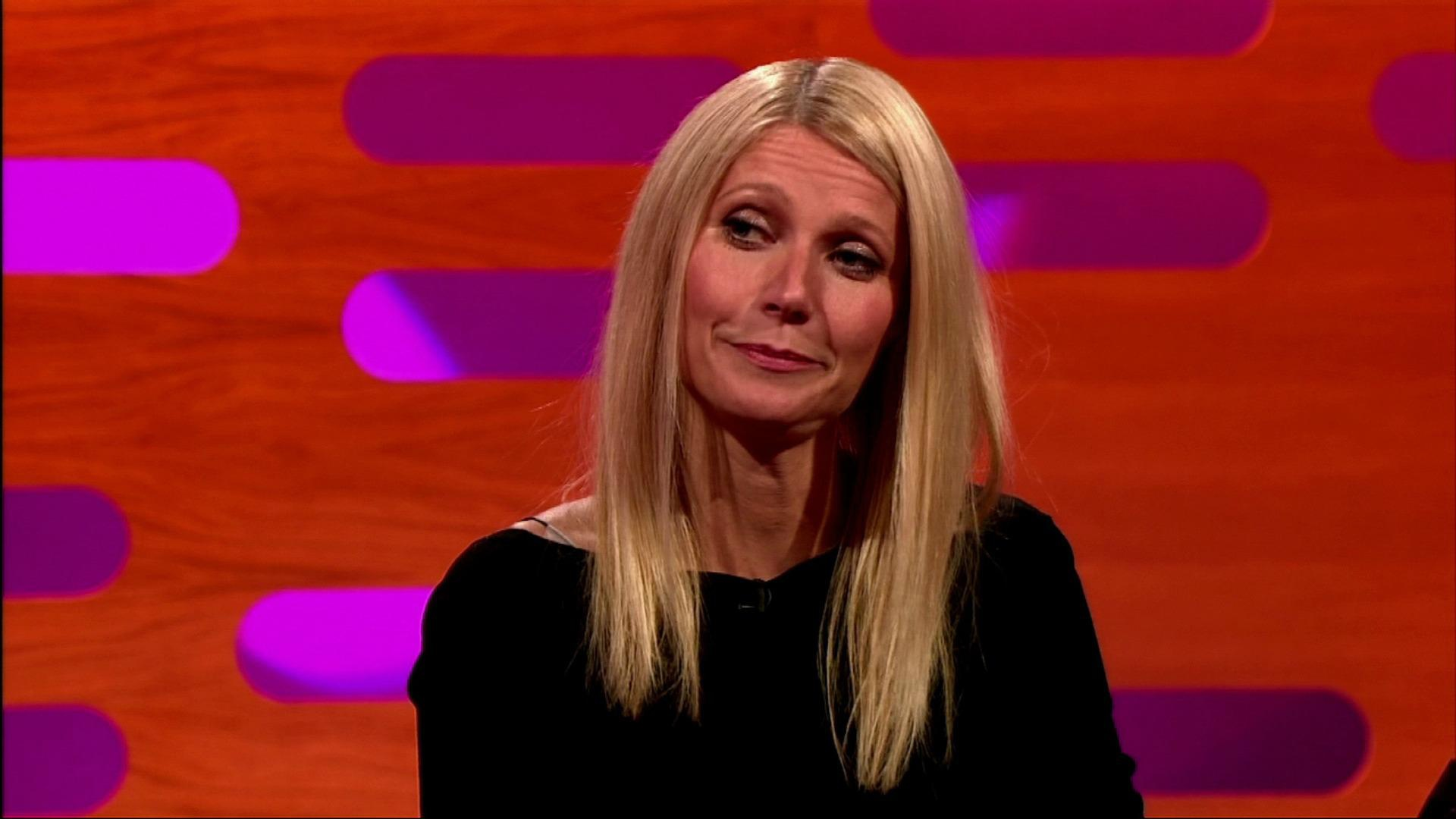 Step away from the mic: Gwyneth Paltrow screws up, again