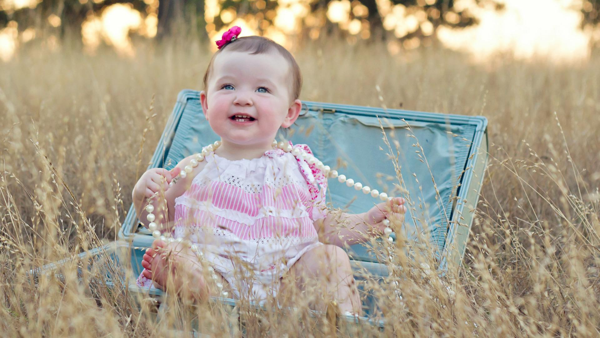 We predict: Buzz-worthy baby girl names of 2015