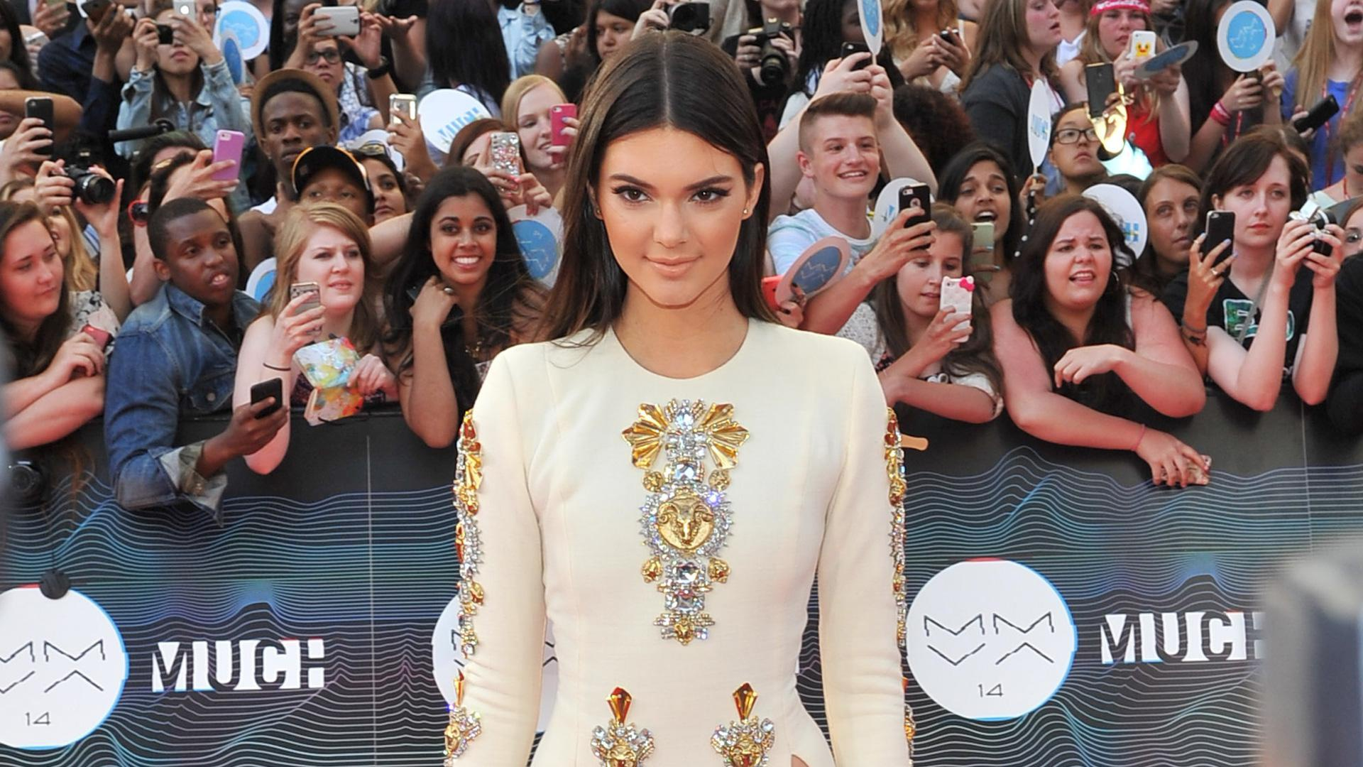 Kendall Jenner takes leg slits to new heights in this dress