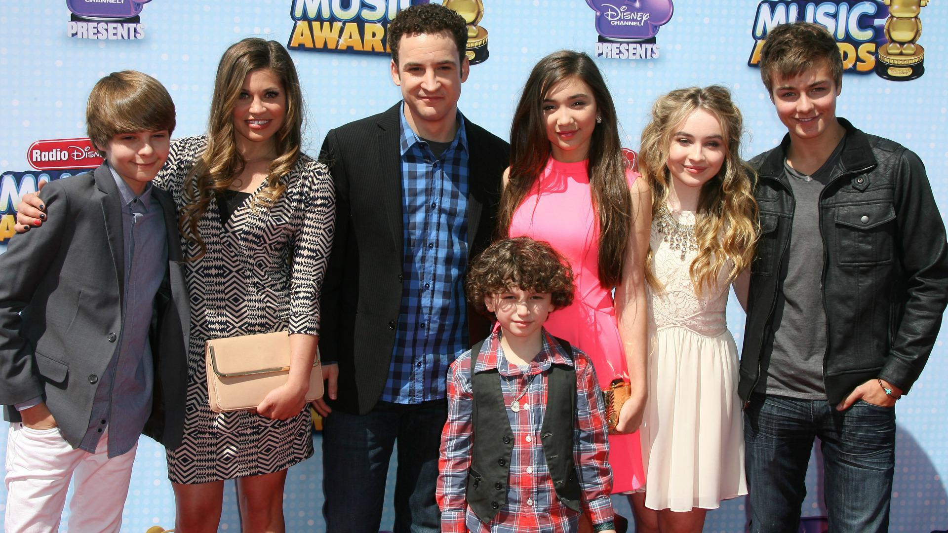 Video girl meets world cast spills 16 spoilers from season 1