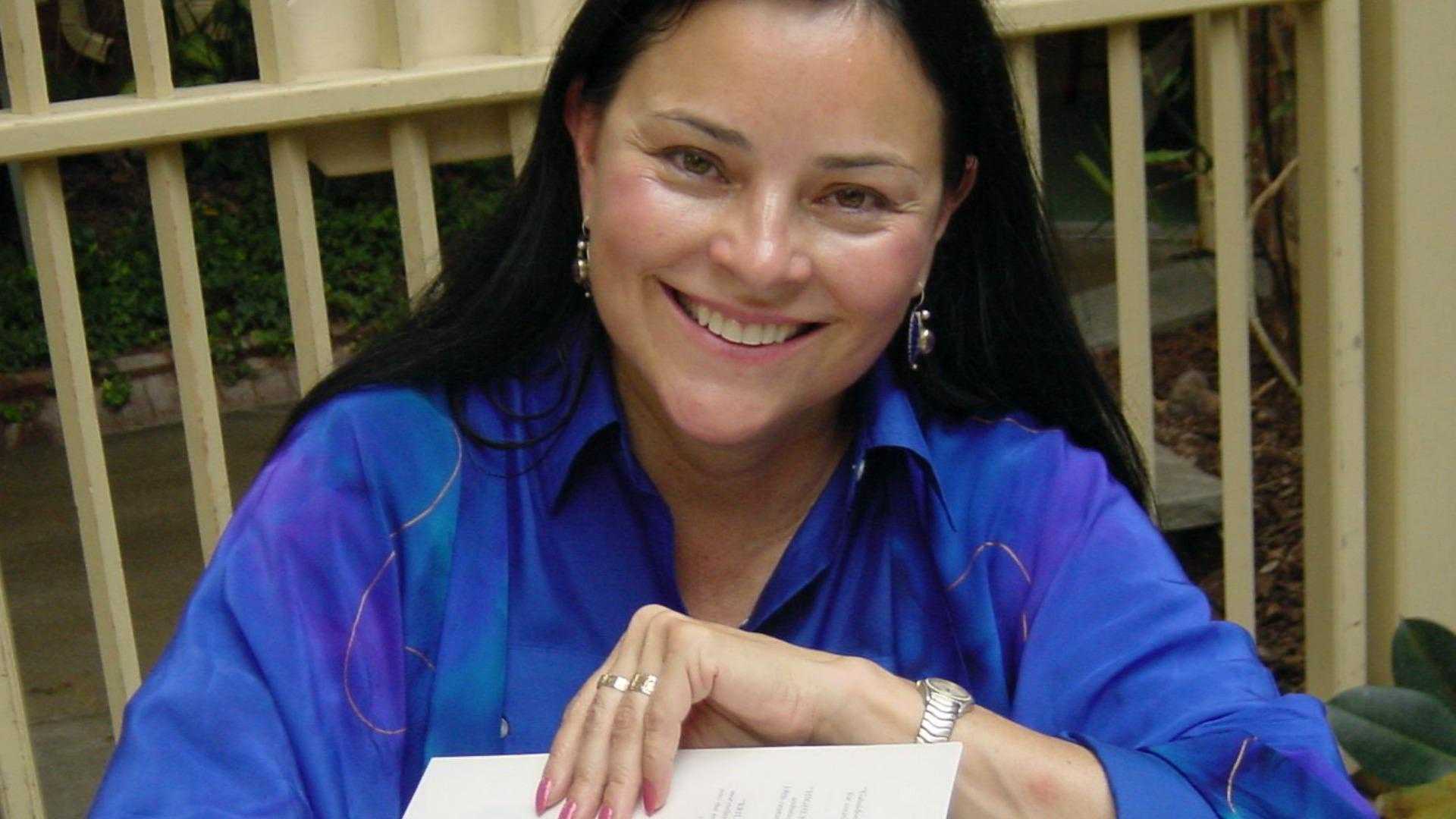 "<em>Outlander</em> author Diana Gabaldon talks ""new touches and twists"" in TV adaptation"