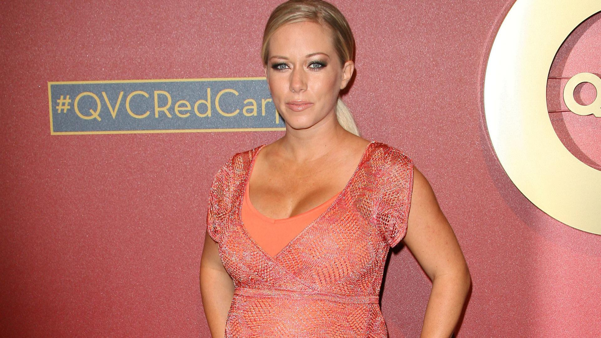 Kendra Wilkinson says Hank's cheating was like getting shot